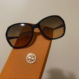 Tory Burch Accessories - Tory Burch Oversize Sunglasses TY 7035